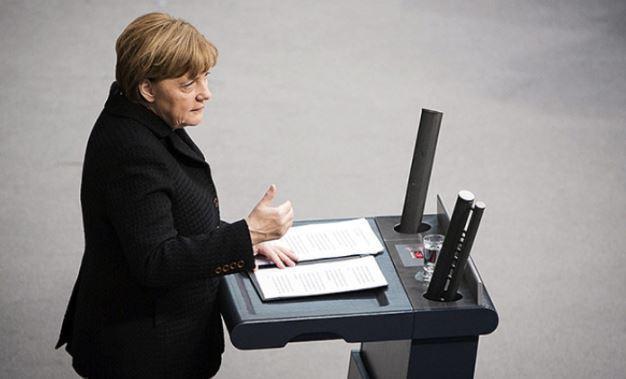 Меркель потрясена нападением на прихожан Нотр-Дама 1