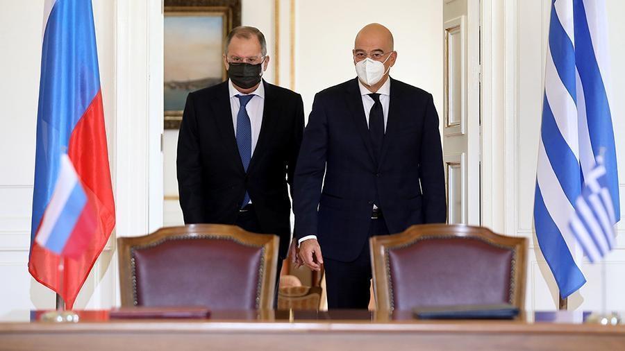 Глава МИД Греции отметил важность укрепления отношений с РФ 1
