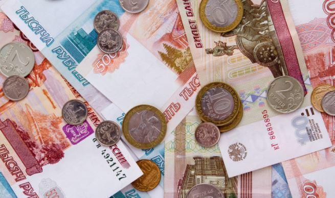 Экономист Хазин назвал причины снижения ставок по вкладам в банках России 1