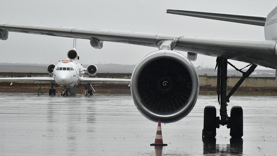 Авиабилеты на перелеты в новогодние праздники стали дешевле 1