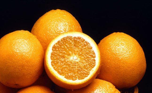 Медики предупредили о вреде апельсинов на завтрак 1