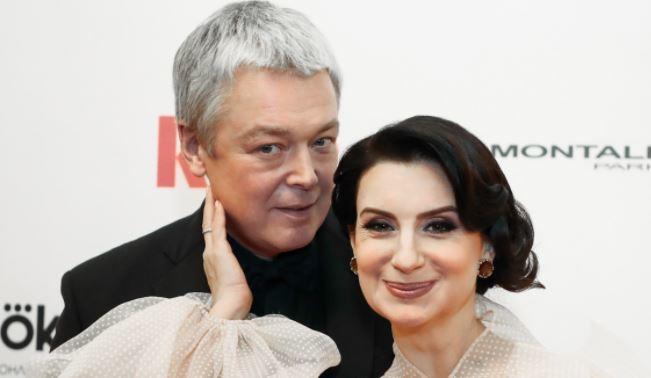 Екатерину Стриженову заподозрили в третьей беременности 1