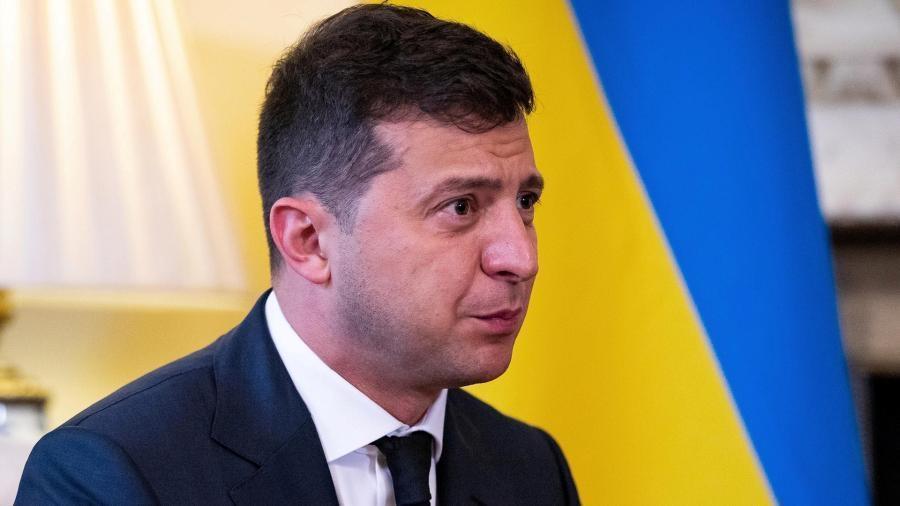 Зеленский попросил у Меркель помощи в поставках вакцины от COVID-19 на Украину 1