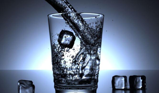 Исследователи объяснили способность воды влиять на психику человека 1