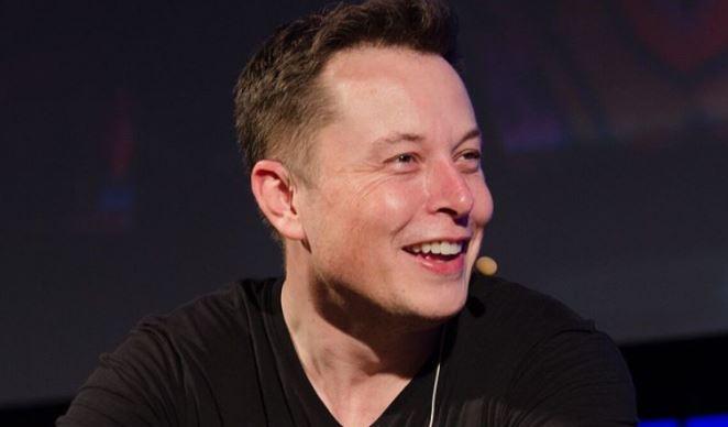 Илон Маск лишил Джеффа Безоса звания богатейшего человека мира 1