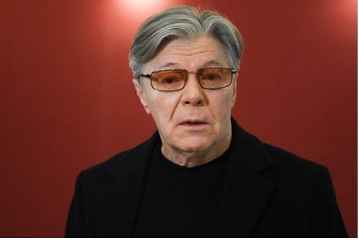 Актера Александра Збруева госпитализировали с пневмонией