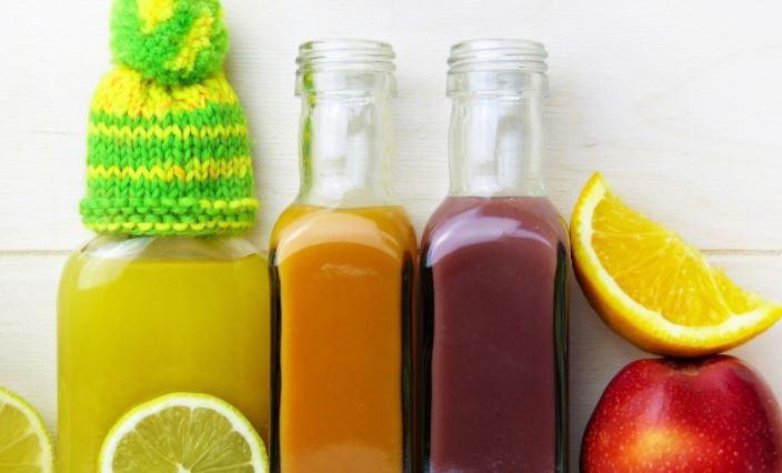 Диетолог Соломатина предупредила об опасности свежевыжатых соков без мякоти на завтрак