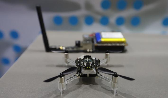 Американские ученые изобрели дронов размером со шмеля