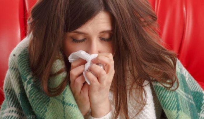 Отоларинголог рассказал о правильных способах лечения насморка