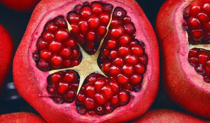 Диетолог развенчала миф о пользе фруктов для похудения