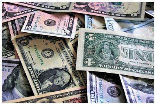 Курсу доллара предрекли обвал к концу апреля 1