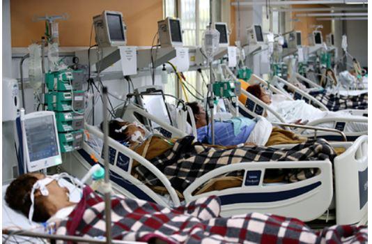 В переполненных реанимациях Бразилии не осталось места для больных 1