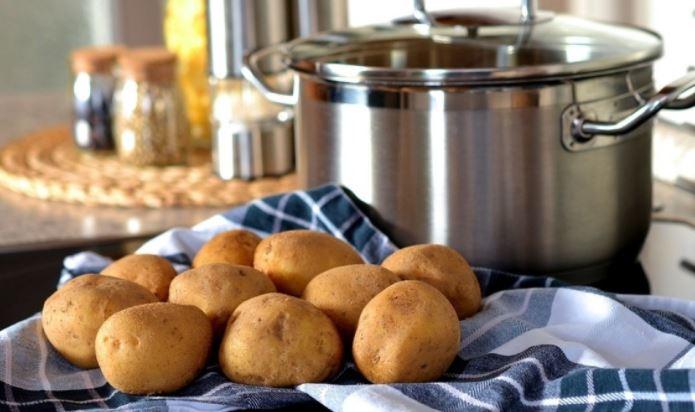 Российский диетолог перечислил наиболее полезные способы приготовления картофеля 1