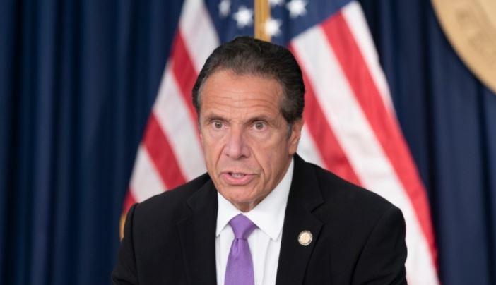 Губернатора Нью-Йорка обвинили в токсичности 1