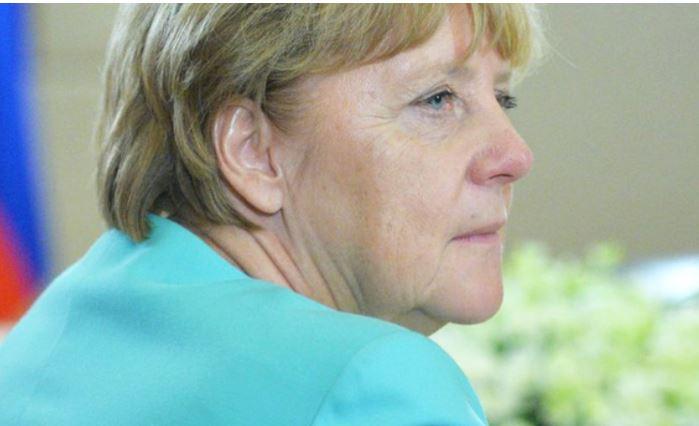 Меркель публично признала свою ошибку и извинилась перед немцами 1