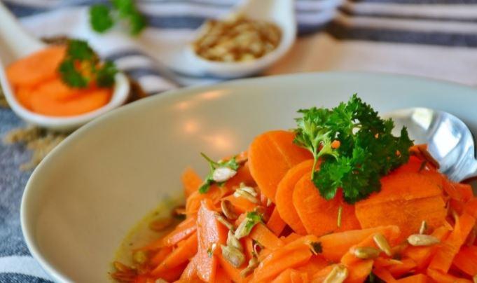 Терапевт назвал салат, который является витаминной «бомбой» против вирусов 1