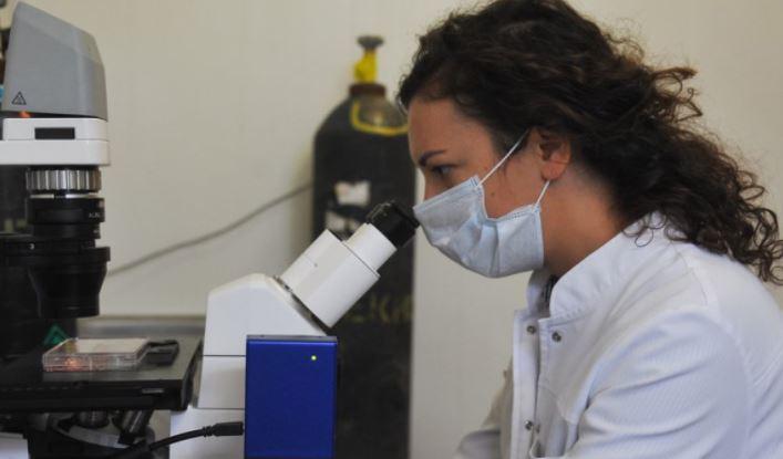 Ученые обнаружили, что коронавирус может выделяться со слюной 1