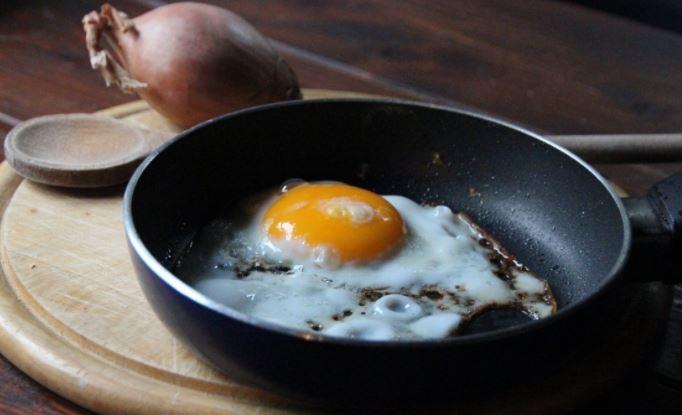 Ученые раскрыли пользу раннего завтрака для здоровья человека 1
