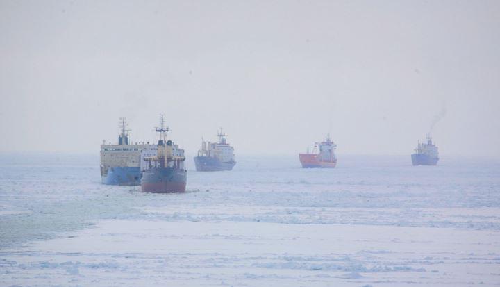 Северный морской путь может стать альтернативой Суэцкому каналу