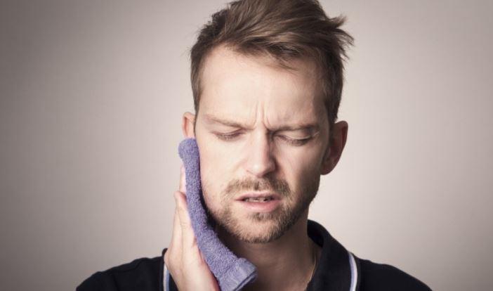 Дискомфорт в зубах может указывать на наличие опасных заболеваний