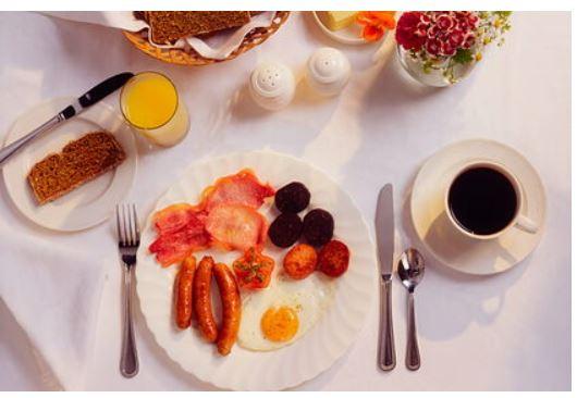 Диетологи назвали опасные для употребления на голодный желудок продукты
