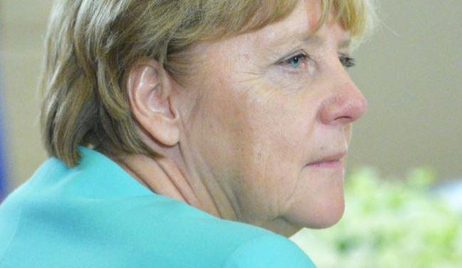 Меркель рассказала, как общается с Путиным