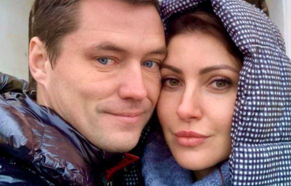 Жених Макеевой не общается с родной дочерью после развода с женой