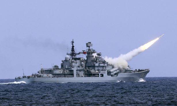 Китайские авианосцы в действии: американские корабли бегут