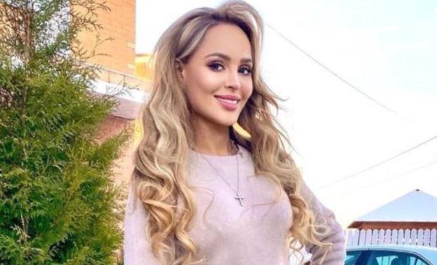 Упавшая в обморок Калашникова назвала причину своей госпитализации