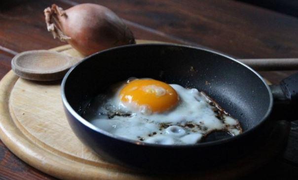 Французский шеф-повар назвал главную ошибку при приготовлении яичницы