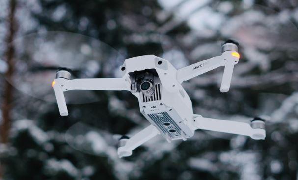 Британские ученые придумали способ вызывать дождь с помощью дронов