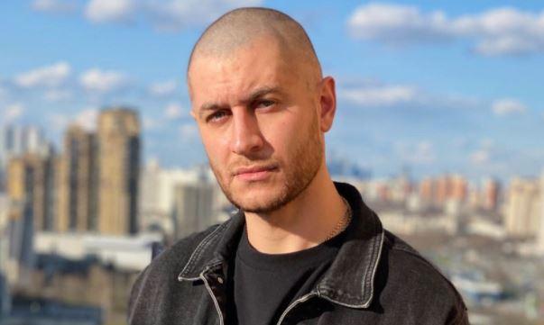 Подписчики обвинили Даву в лицемерии из-за поездки на место трагедии в Казани
