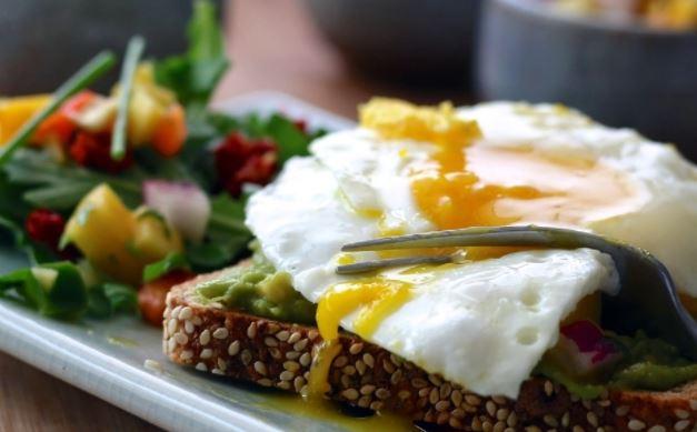 Плотный завтрак может увеличить продолжительность жизни