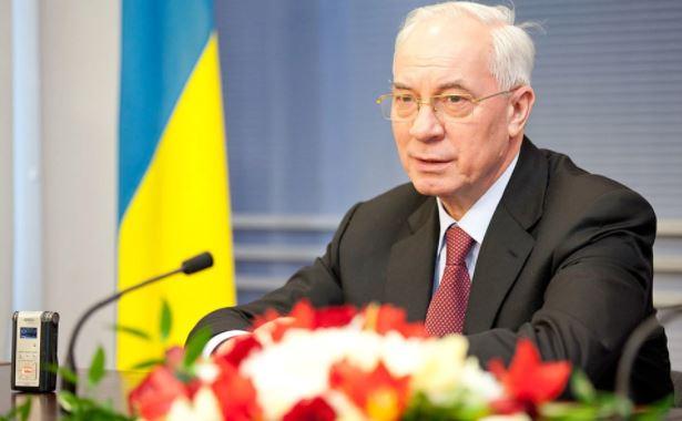 Азаров назвал циничными планы ЕС по смене власти в Белоруссии