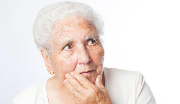 Британские исследователи составили список первых симптомов деменции