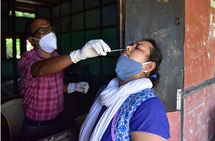 Названы опасные симптомы индийского штамма коронавируса