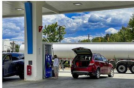 Новак поручил Минэнерго оценить уместность введения запрета на экспорт бензина