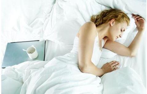 Диетологи назвали 13 продуктов для крепкого сна