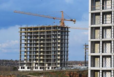 Россиян разуверили в возможности снижения цен на жилье в Крыму