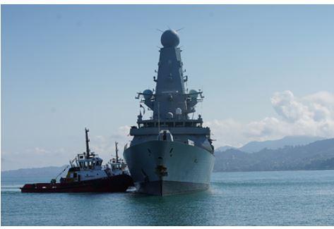 НАТО отказалась уходить из Черного моря после инцидента с эсминцем