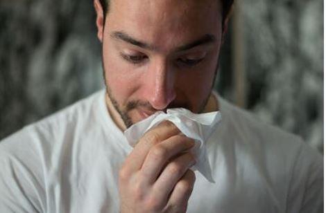 Названа реже болеющая коронавирусом категория пациентов