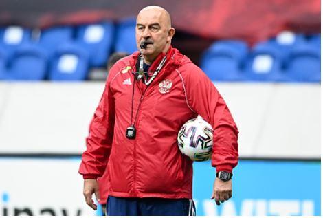 Черчесов ответил на вопрос об отставке с поста главного тренера сборной России