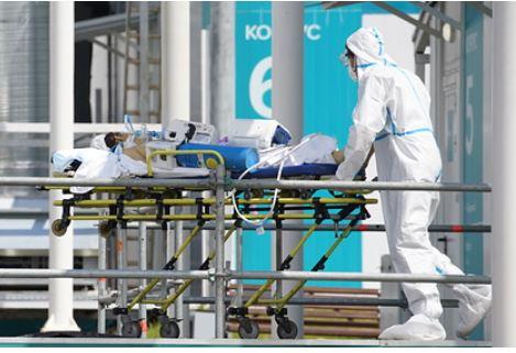 Врач назвал возраст часто попадающих в больницы с COVID-19 россиян