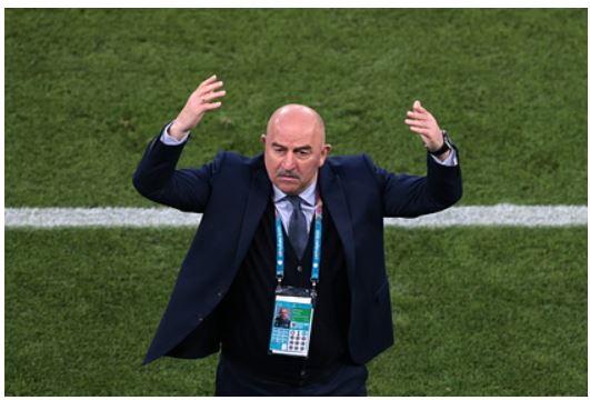 Черчесов объяснил желание дать пресс-конференцию после Евро