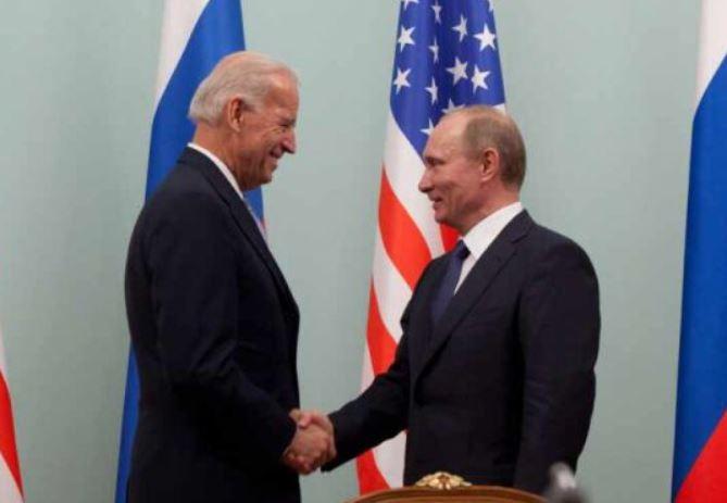 Помпео: когда Путин смотрит на Байдена, он видит лишь слабость