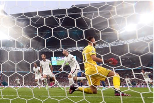 Сборная Англии вышла вперед на второй минуте финала Евро