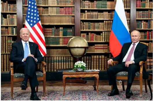 СМИ узнали об обсуждении Путиным и Байденом российских баз в Средней Азии