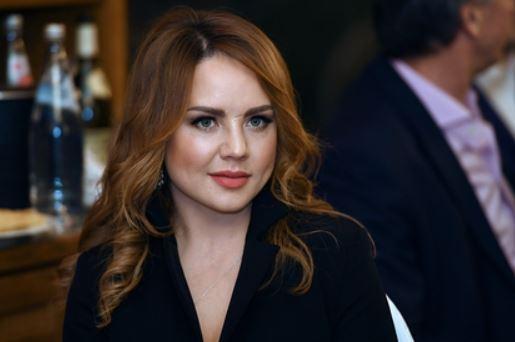Директор МакSим отказалась сравнивать ситуацию певицы с болезнью Началовой