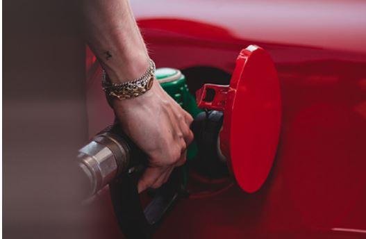 Мир раньше срока откажется от бензина