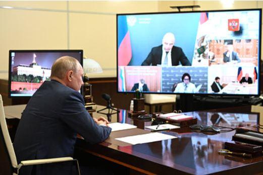Путин связал рост цен с действиями США